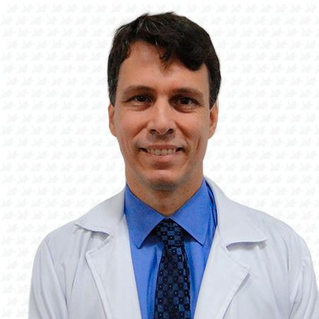 Dr. André Lyra