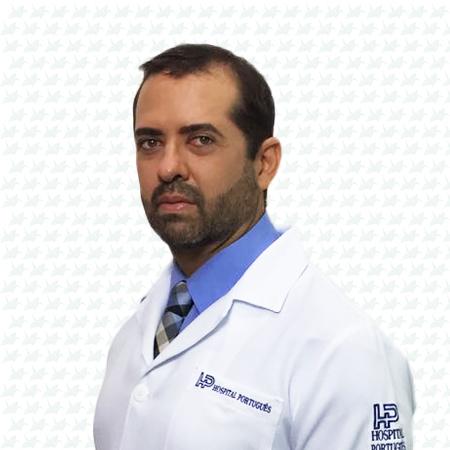 Dr. Gustavo Azi