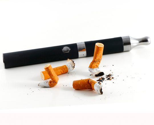 Anúncios de e-cigarros são alvos suscetíveis de jovens