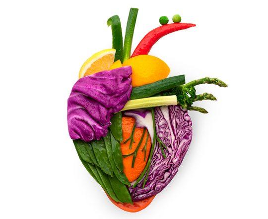 Comer frutas e legumes na juventude beneficia saúde do coração