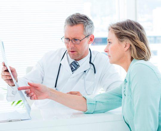 Miomas: Embolização preserva o útero, sem cortes