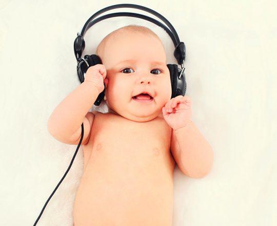 Música beneficia cérebro dos bebês
