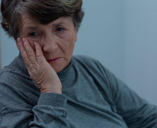 Sentimentos negativos podem afetar audição e memória de idosos