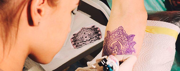 Tatuagens poderiam ajudar a combater infecções comuns