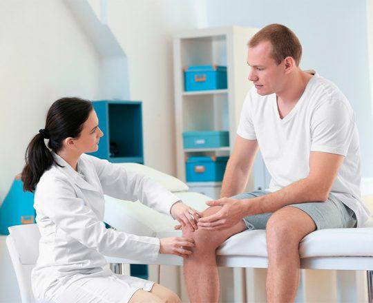 Videoartroscopia é uma boa opção para tratar lesões nos joelhos