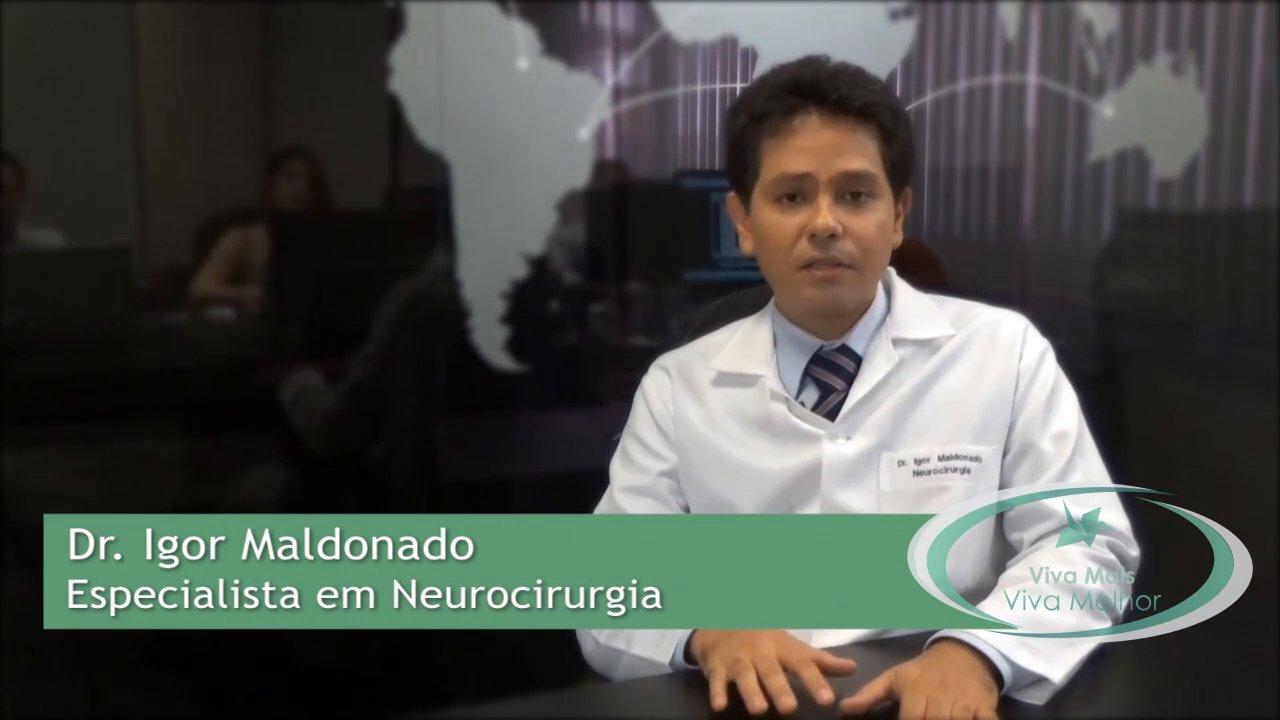 O que pode ser feito para evitar problemas neurológicos em pacientes com Anemia Falciforme?