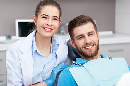 Se o paciente quiser retirar a lente de contato dental, isso pode ser revertido num processo simples?