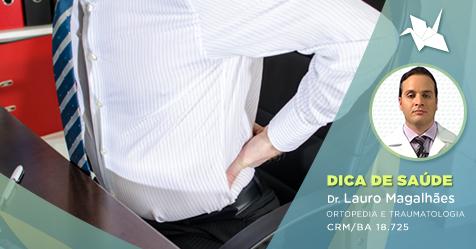 O sedentarismo, bem como atividades em que se permanece muito tempo na mesma posição, favorece o surgimento da artrose do quadril.