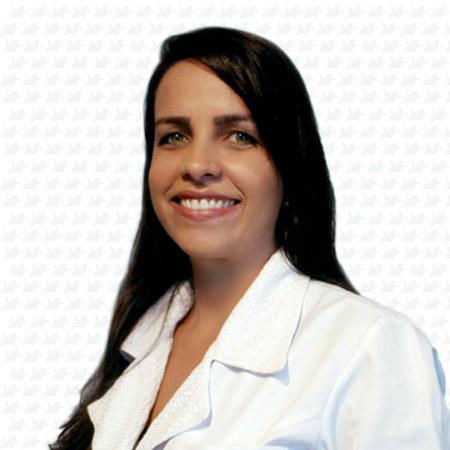 Dra. Lívia Senna Santos
