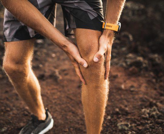 Sobrecarga durante atividade física pode provocar lesões no joelho