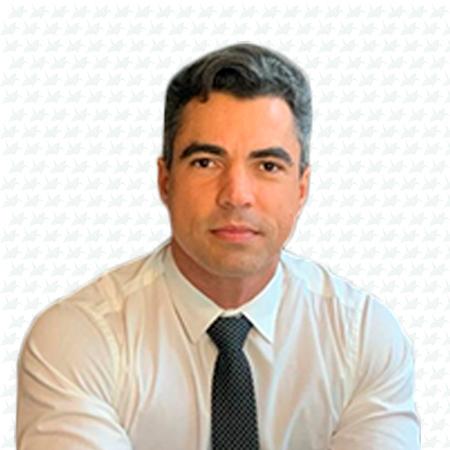 Dr. Lucas Roberto Bittencourt Souza